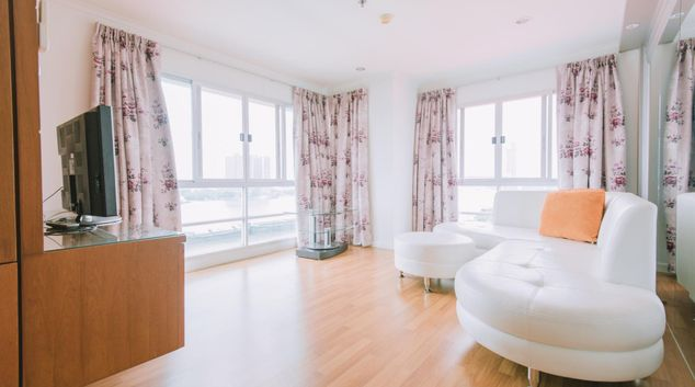 Lounge at LPN Park Riverside Apartment, Yan Nawa, Bangkok