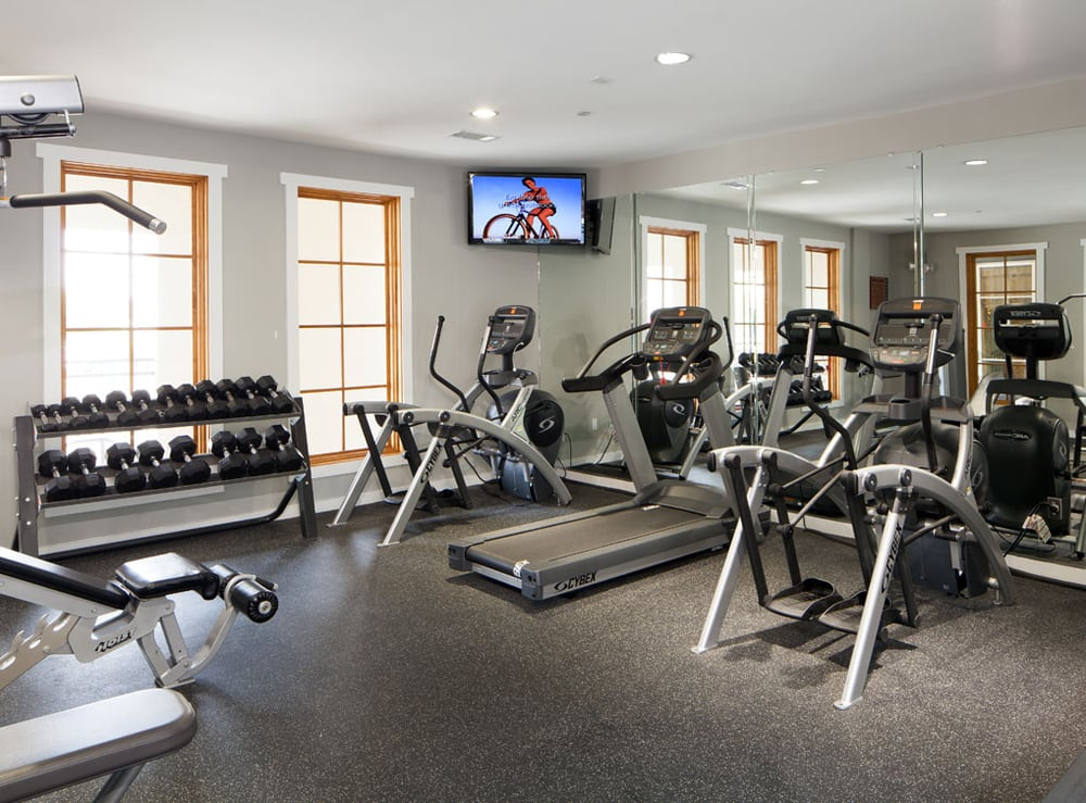 Gym at AMLI 300 Corporate Housing