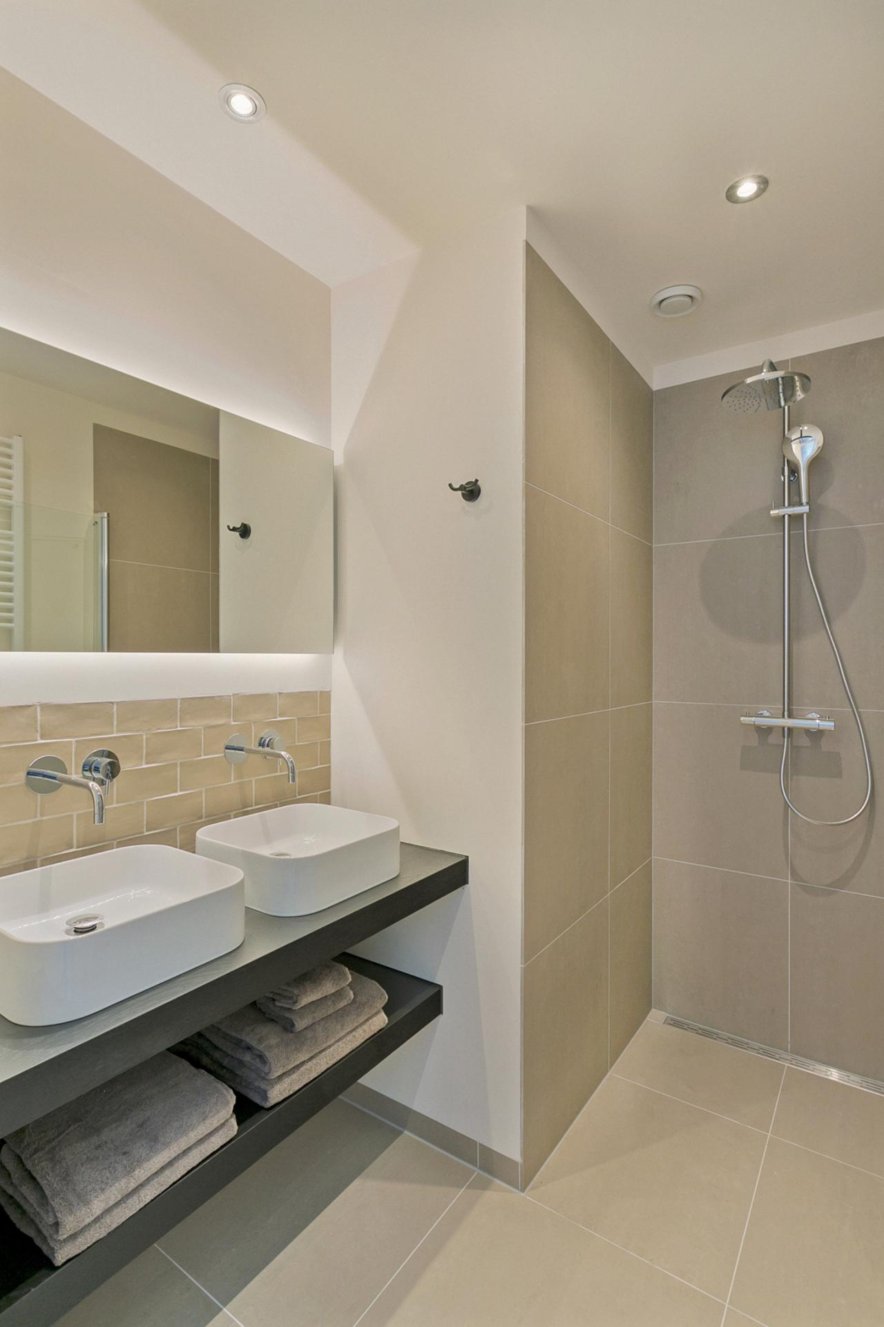 Shower at Frederiks Square Serviced Apartments, Centre, Amsterdam