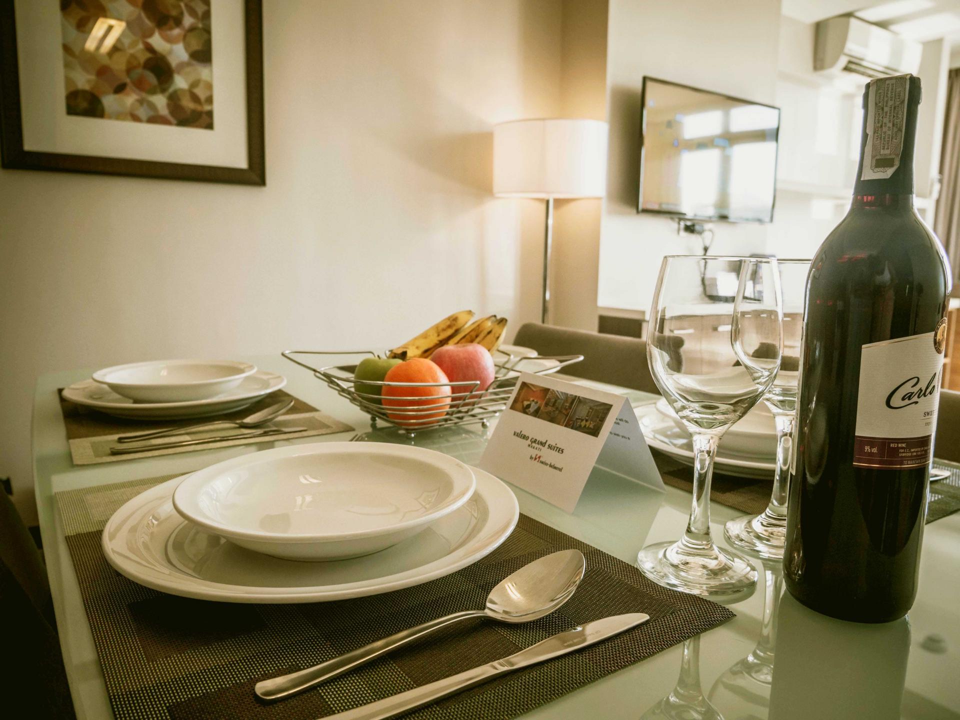 Dining area at Valero Grand Suites