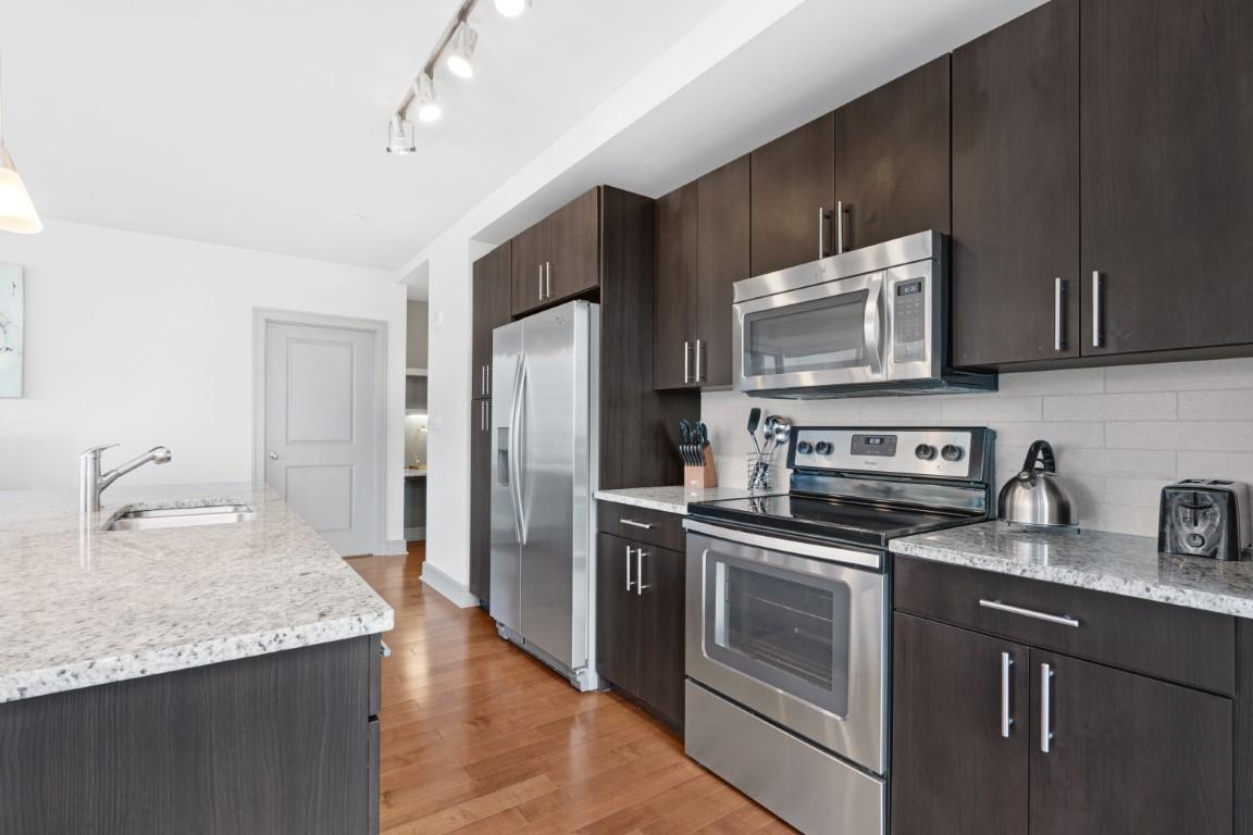 Kitchen at 100 Pier 4 Apartments, Fort Point, Boston