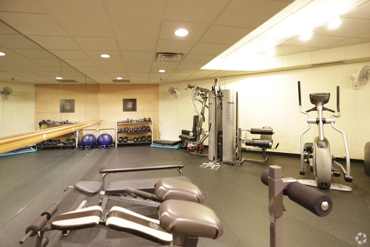 Gym at One Ten Grant Apartment