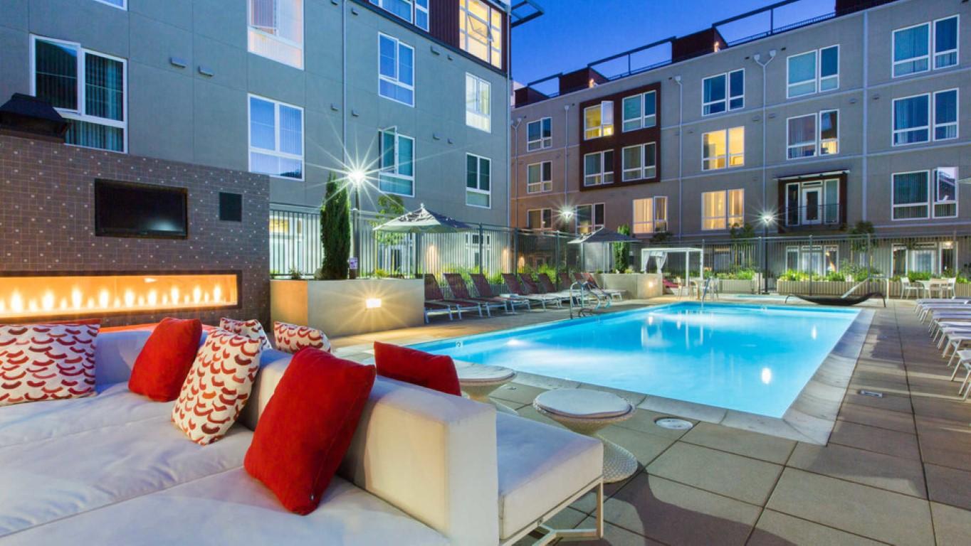 Swimming at The Domain Apartments, Renaisance, San Jose