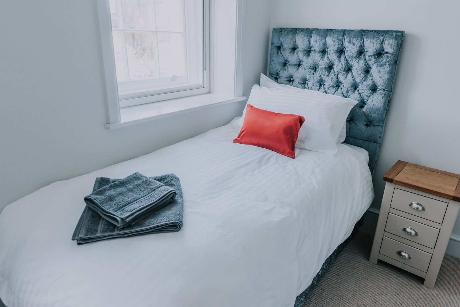 Single bed at Cavendish House