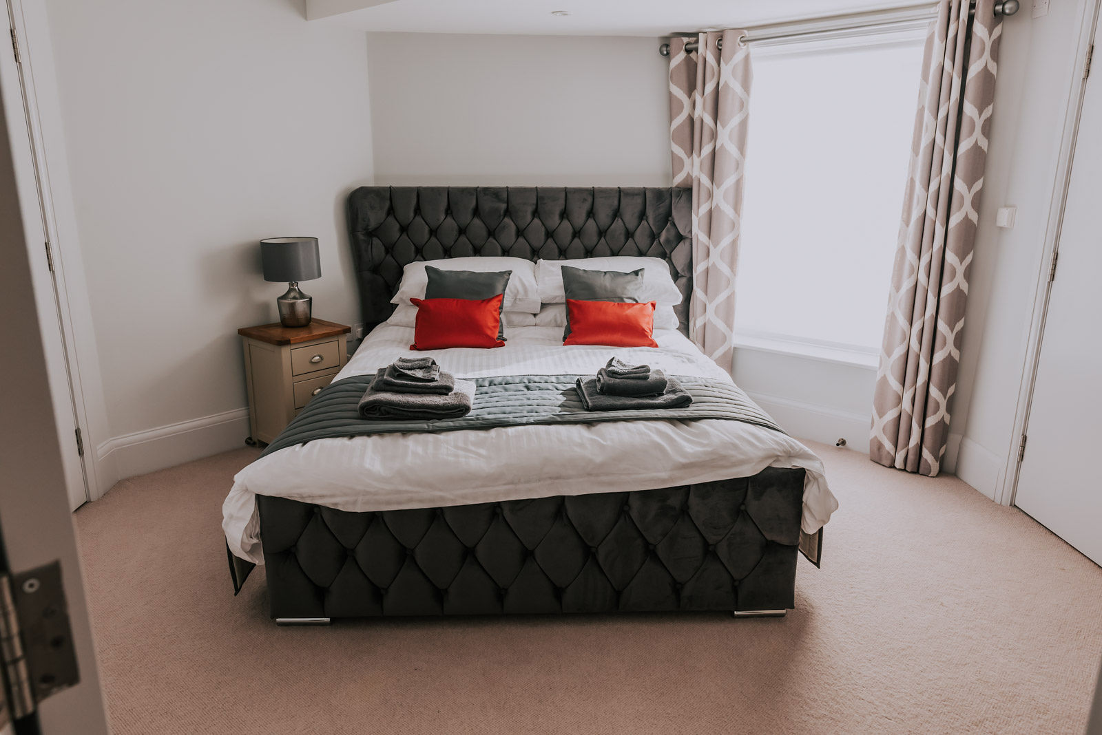 Large bedroom at Cavendish House