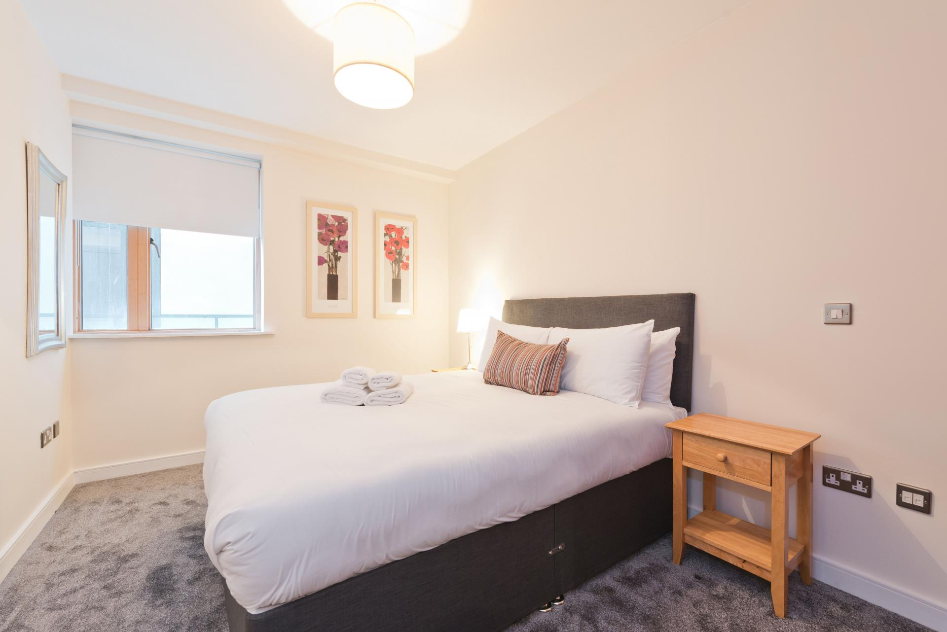 Double bed at Hanover Dock Apartments