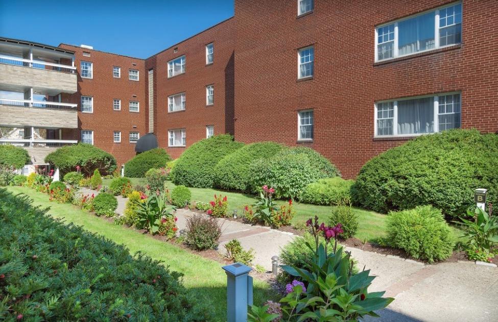 Gardens at Shadyside Apartment