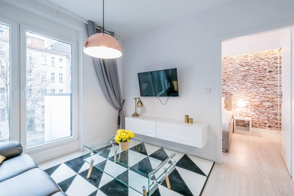 TV at Sikorskiego Apartments