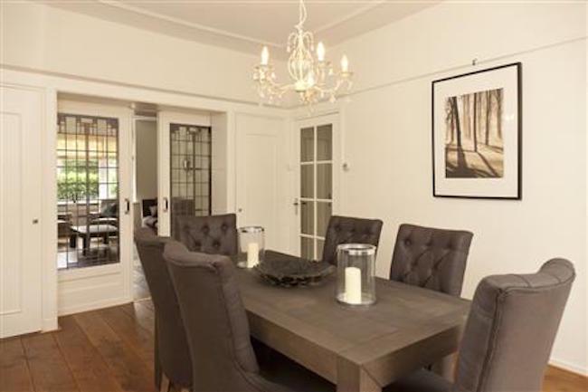 Dining table at Royal Nassau Apartment