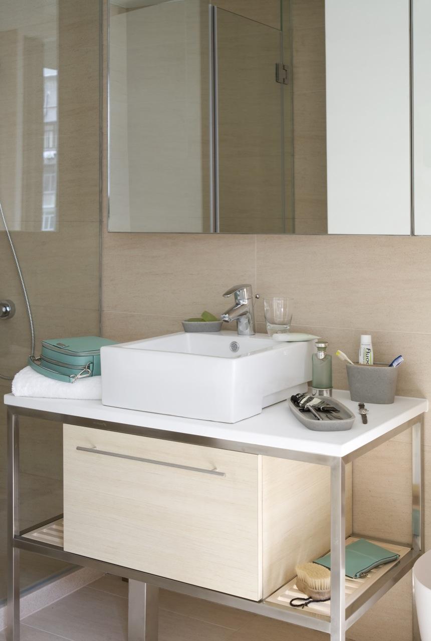 Bathroom at Tsim Sha Tsui Apartments