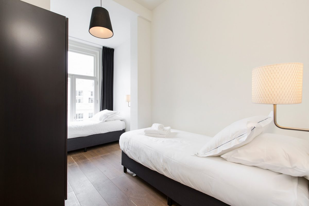 Twin beds at Sarphati Apartments, Centre, Amsterdam
