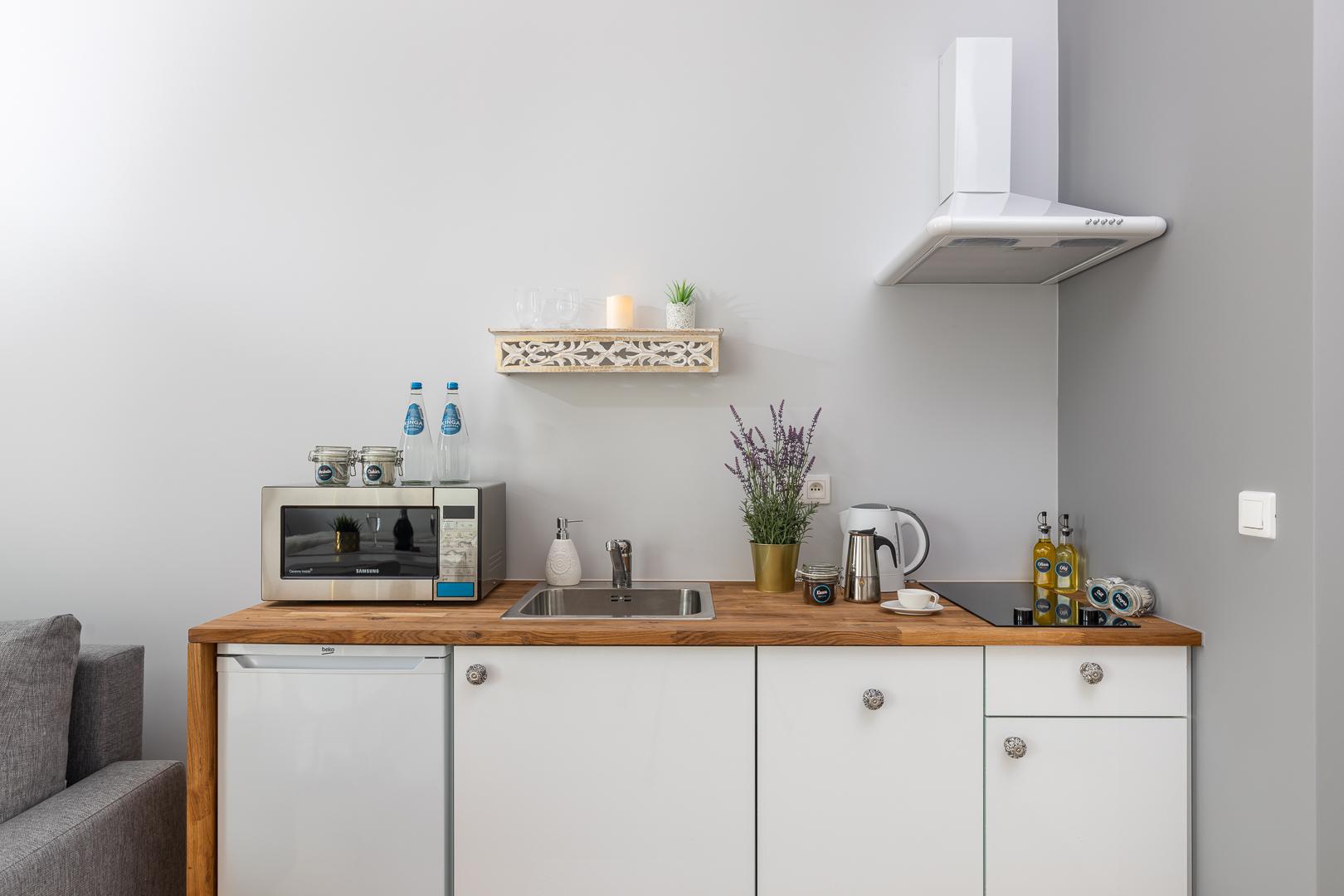Microwave at Burakowska Apartments