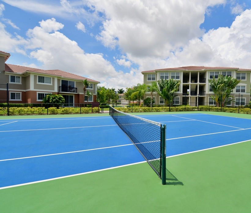 Tennis court at Gables Montecito Apartment