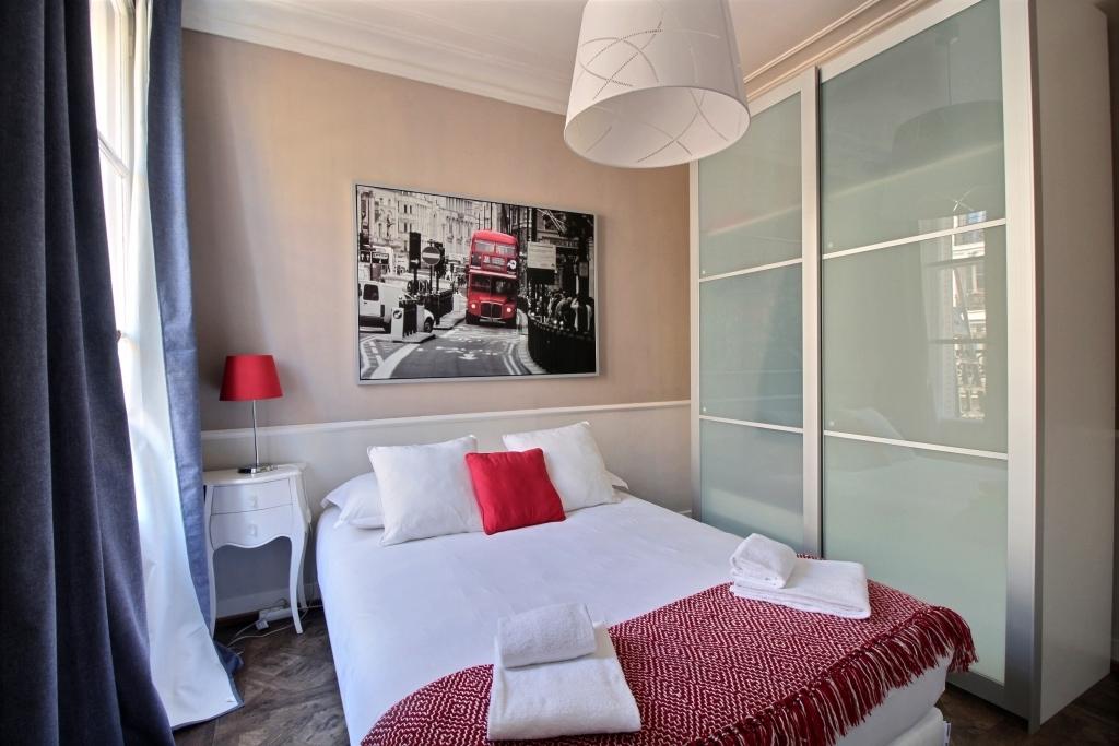 Stylish bedroom at Lerivoli Apartment