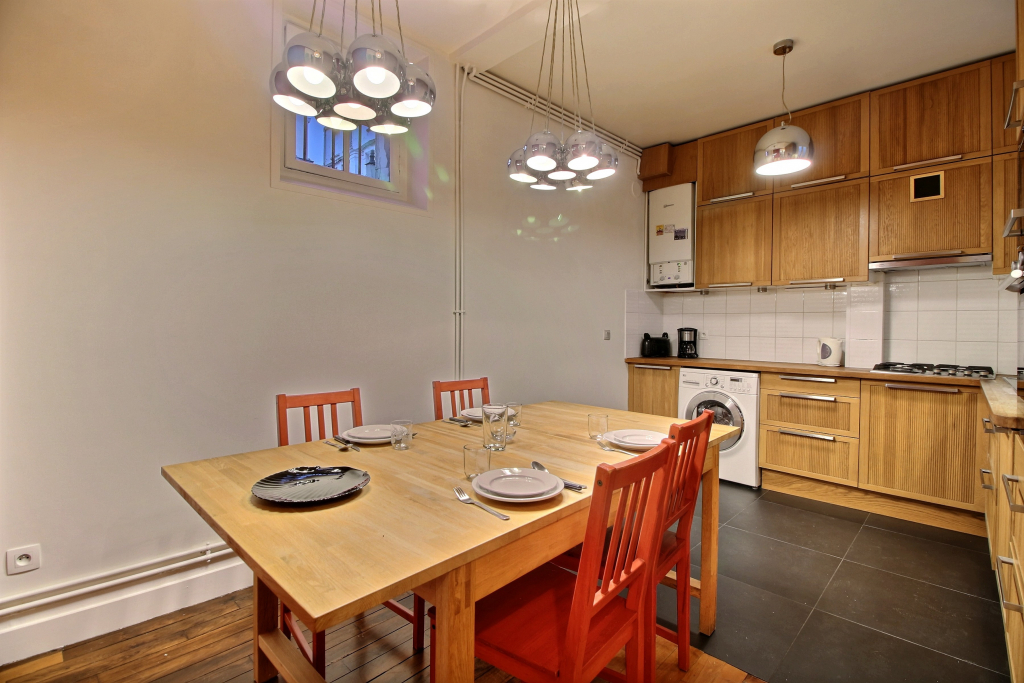 Dining table at Lebaron Apartment