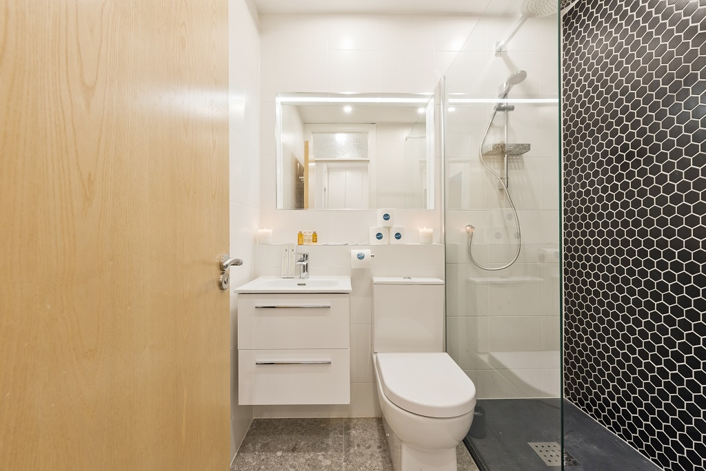 Bathroom at Lansdowne House Apartment