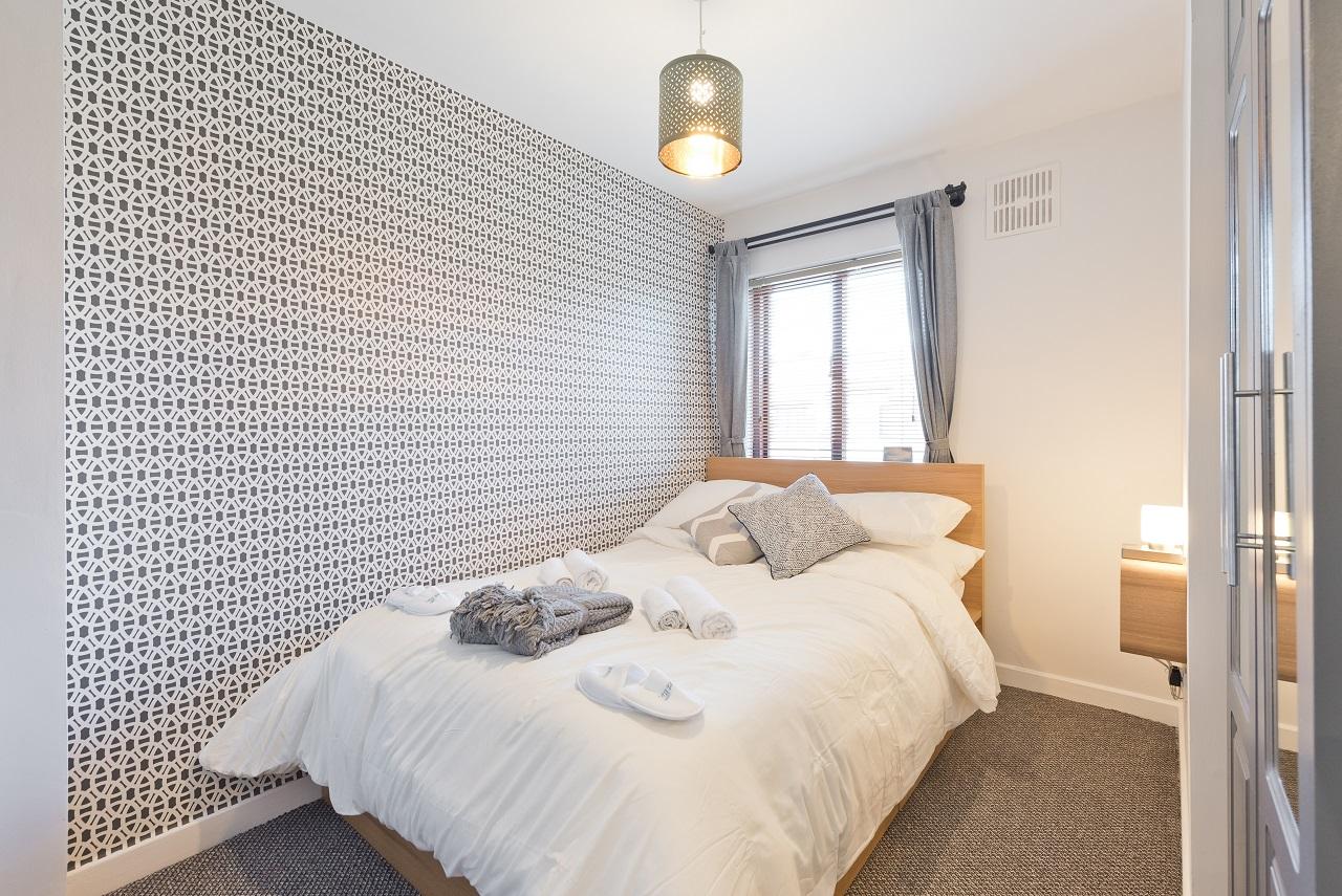 Single bed at Lansdowne House Apartment