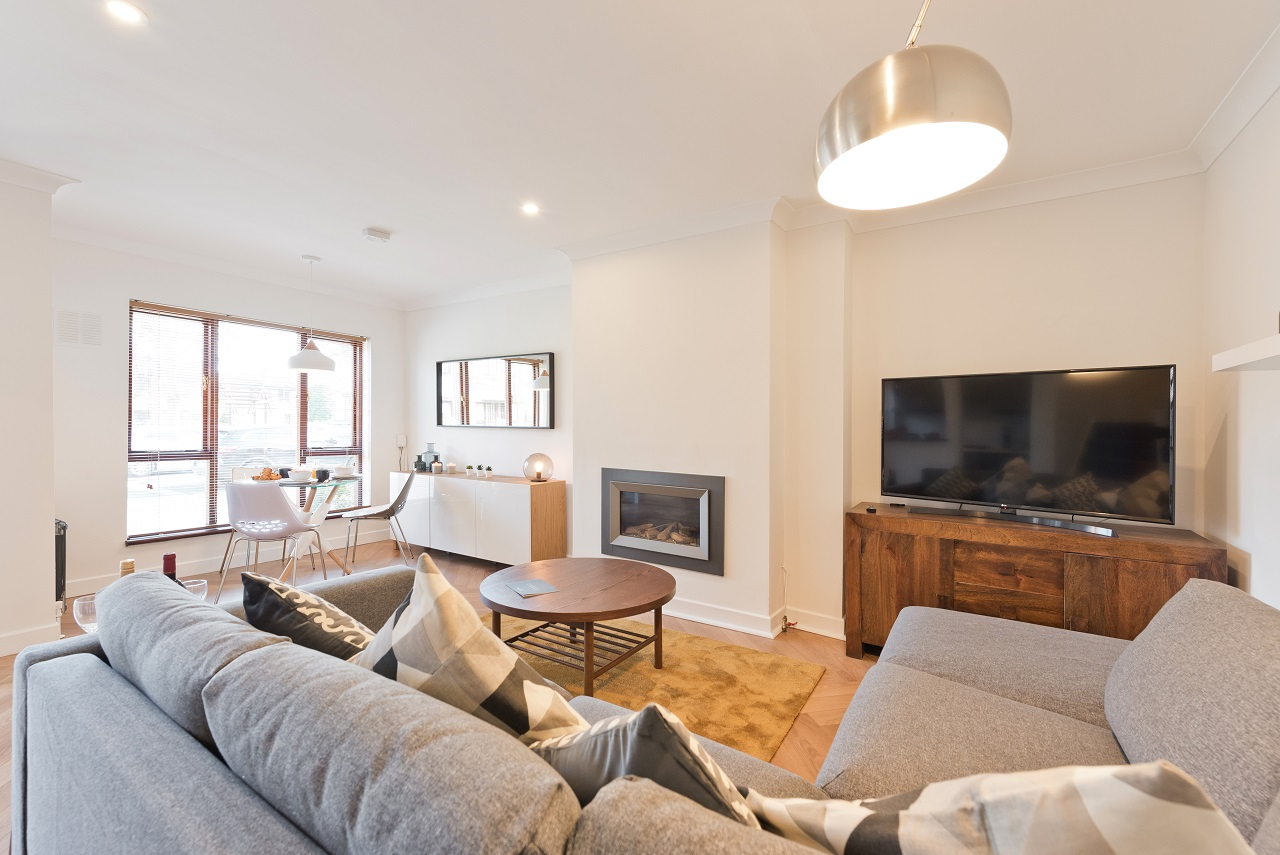 TV at Lansdowne House Apartment