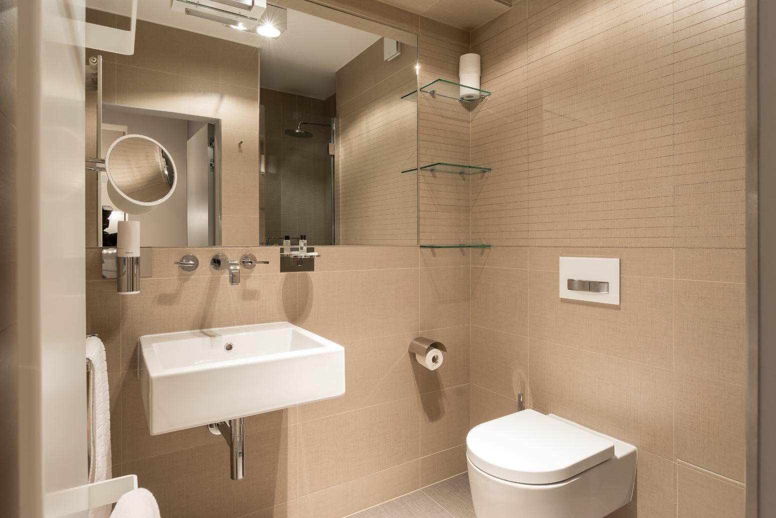 Modern bathroom at The Residence Gare