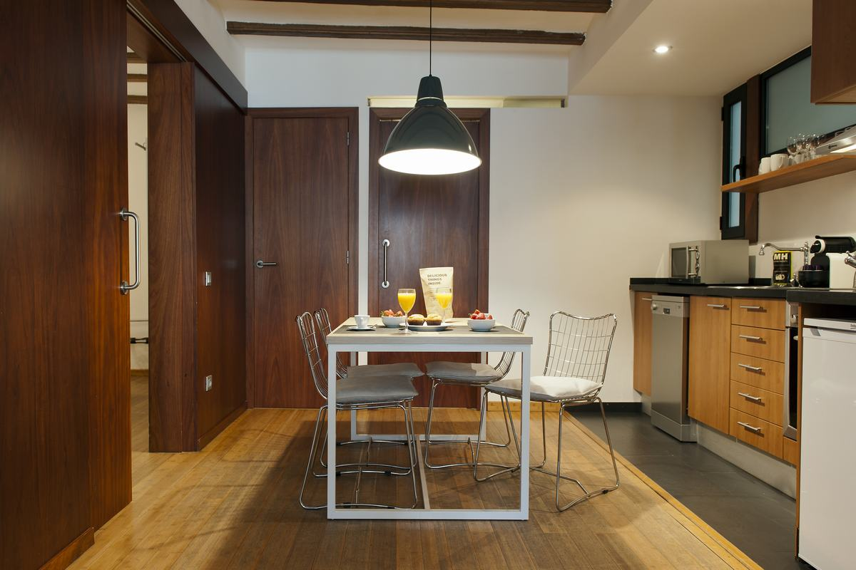 Stylish kitchen aty MH Apartments Princesa