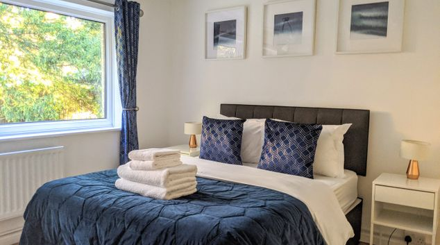 Bedroom at Benjamin House Apartment, Centre, High Wycombe