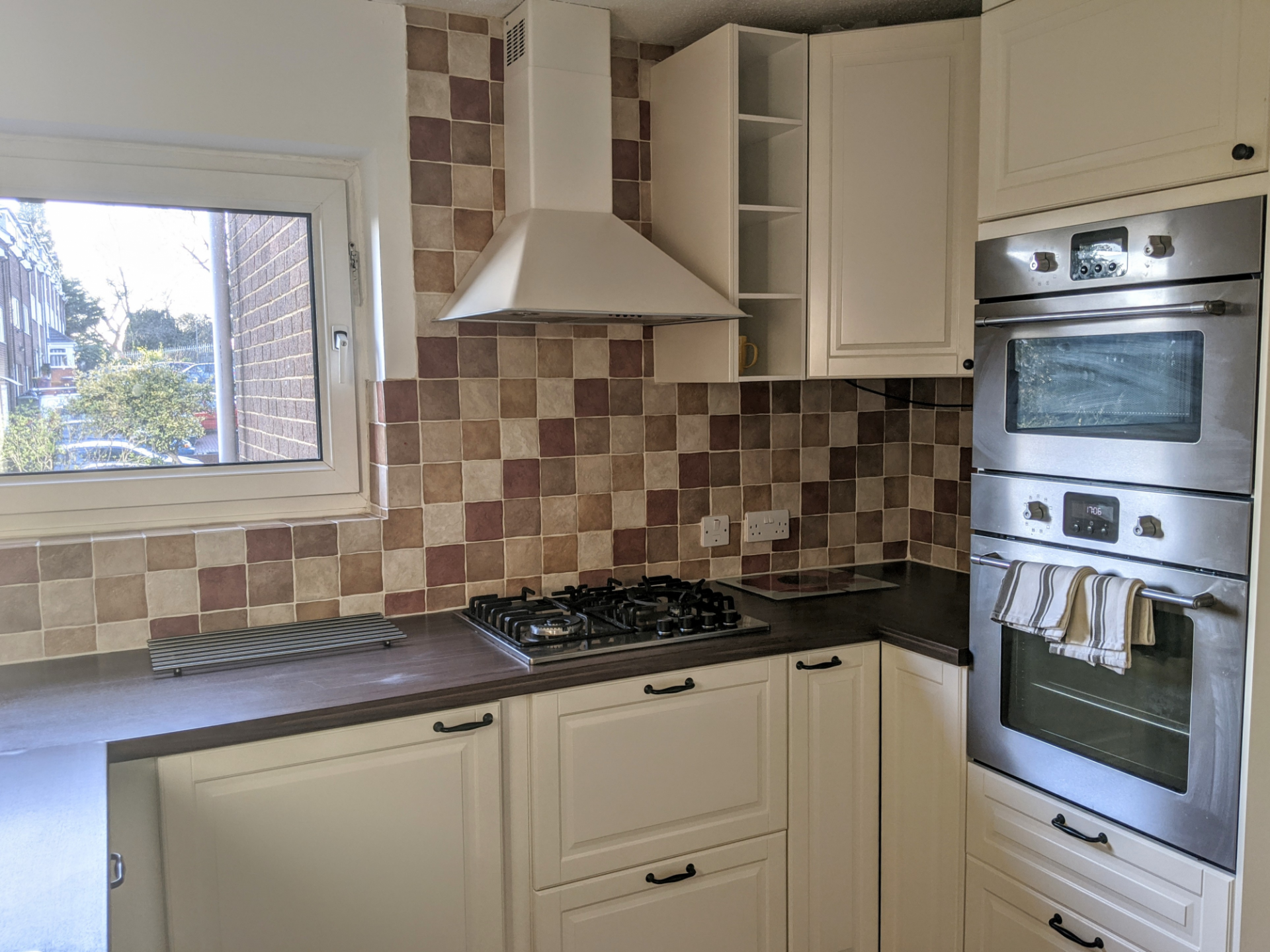 Oven at Benjamin House Apartment, Centre, High Wycombe