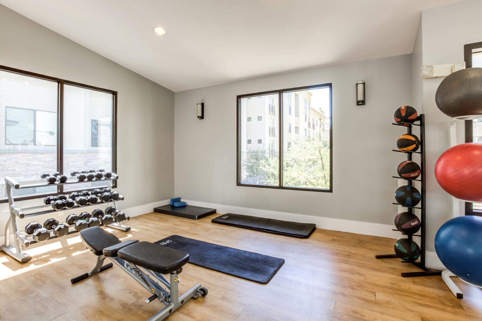Fitness centre at Biltmore at Camelback Apartments