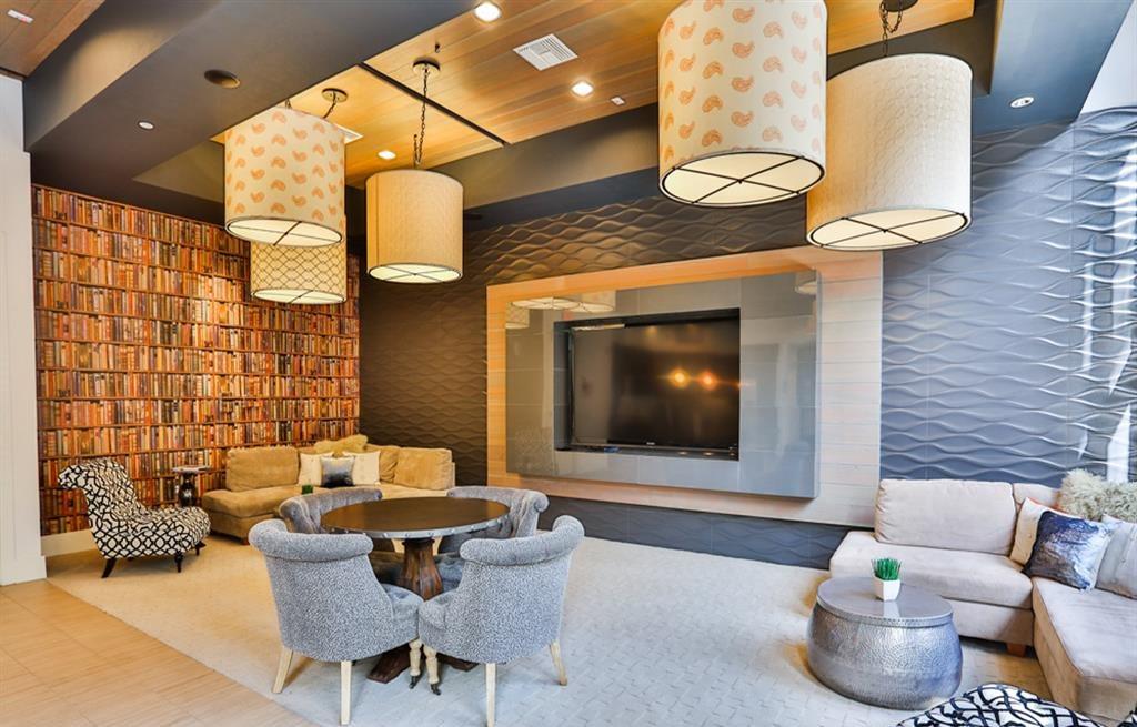 TV at Biltmore at Camelback Apartments