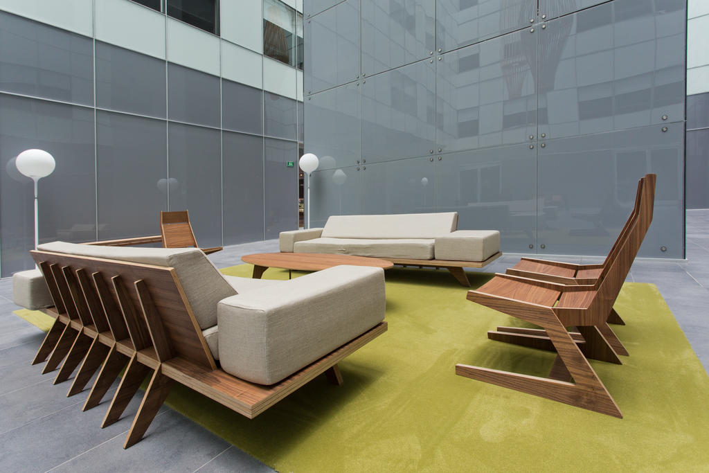 Communal outdoor area at City Express Apartment