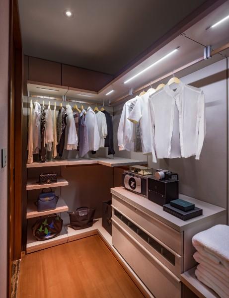 Wardrobe at Fraser Residence Orchard Apartments, Singapore