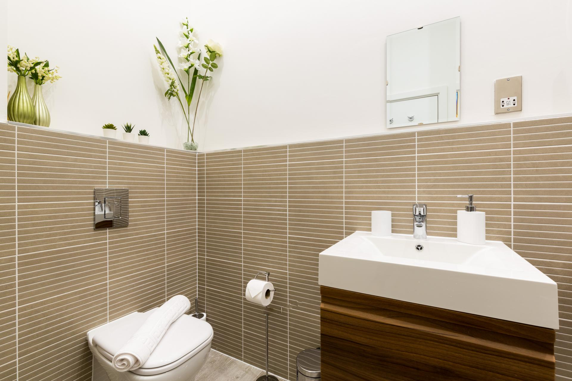 Toilet at Queens House Serviced Apartment