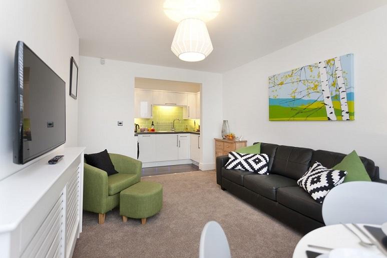 Living area at Bowling Green Apartments