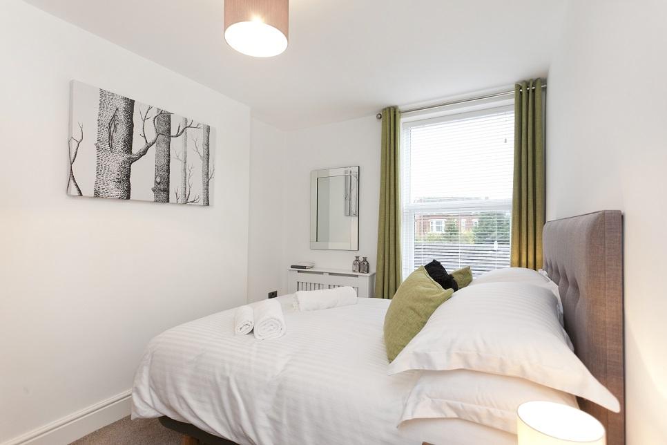 Bedroom at Bowling Green Apartments