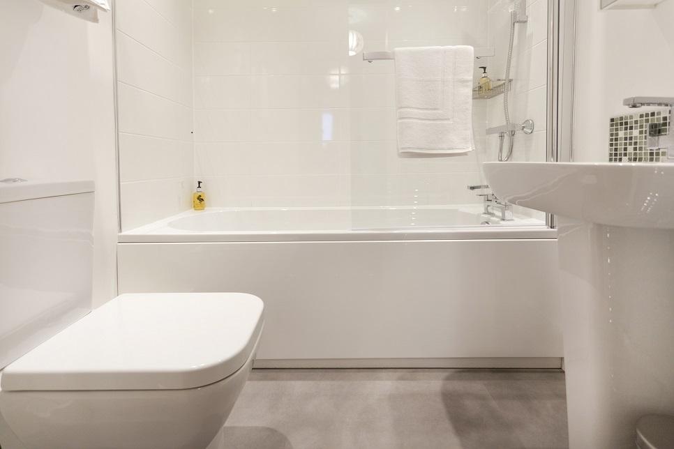 Bathroom at Bowling Green Apartments