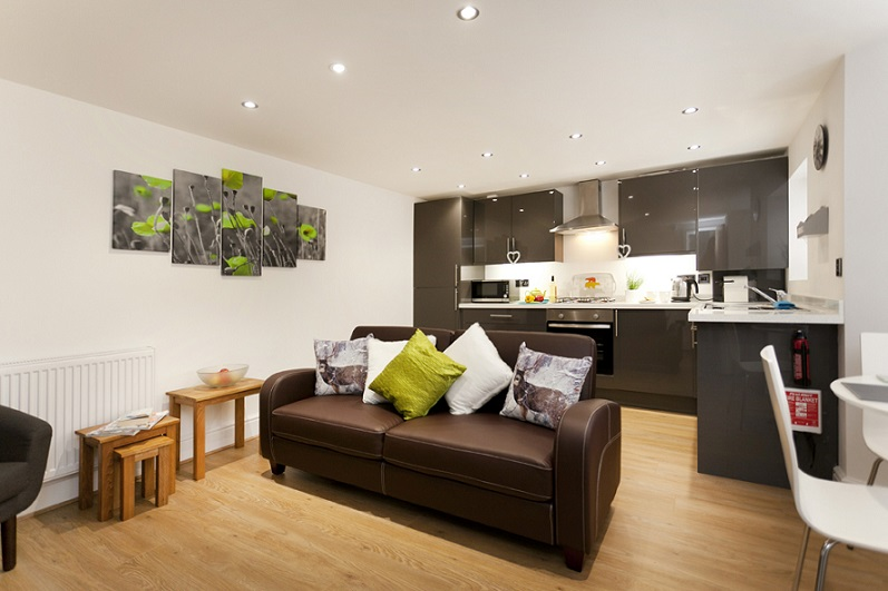 Open-plan living and kitchen area at Bowling Green Apartments