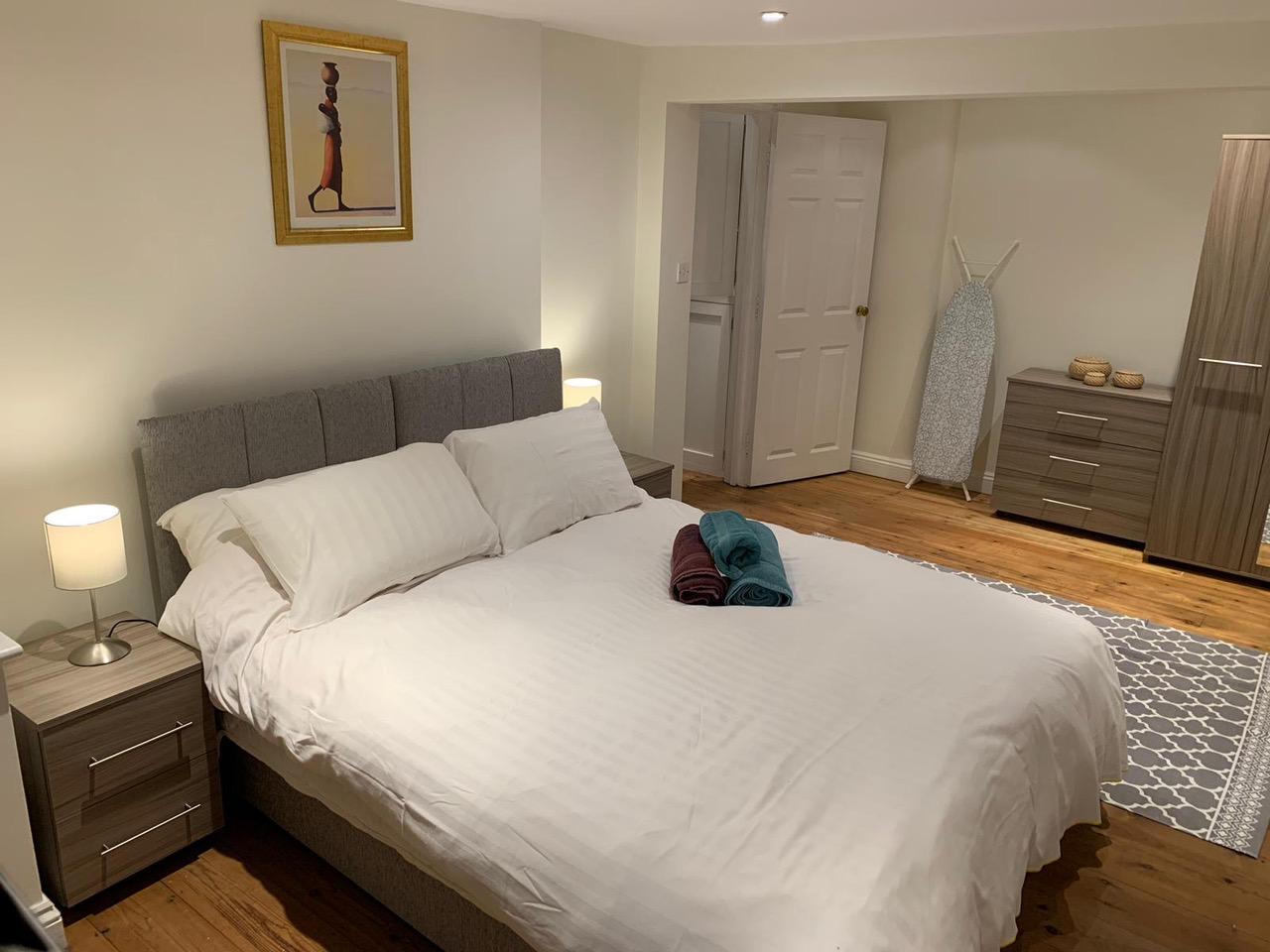 Comfortable bed at Bullingdon Apartment