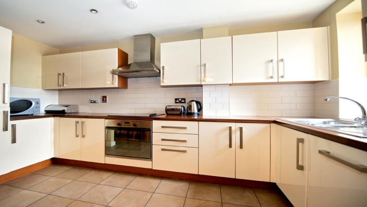 Gorgeous kitchen in Staycity Dublin Saint Augustine Street
