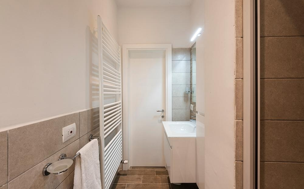 Spacious bathroom at Serenity Apartment