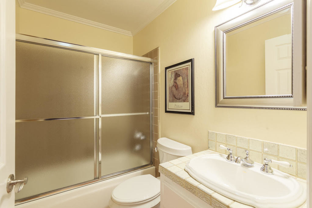Second Bathroom at Ramona Townhouse