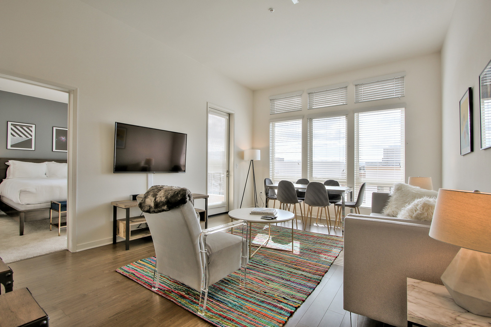 Living room at River View Apartment Homes