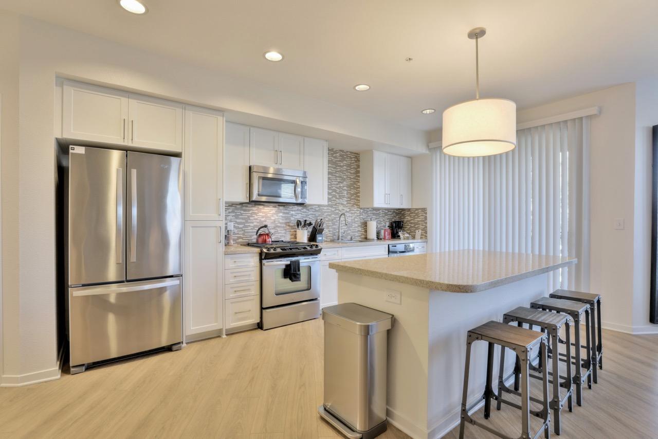 Spacious kitchen at River View Apartment Homes