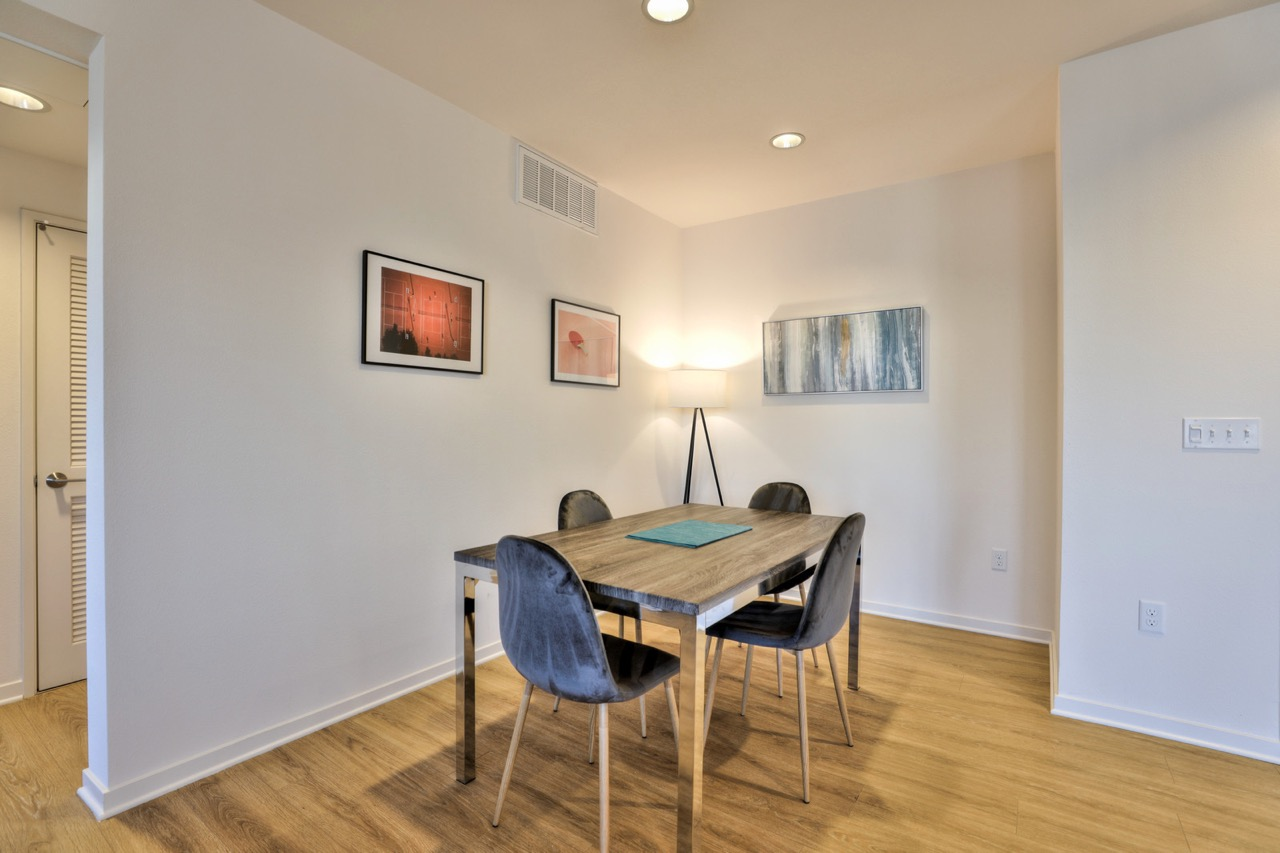 Dining table at River View Apartment Homes