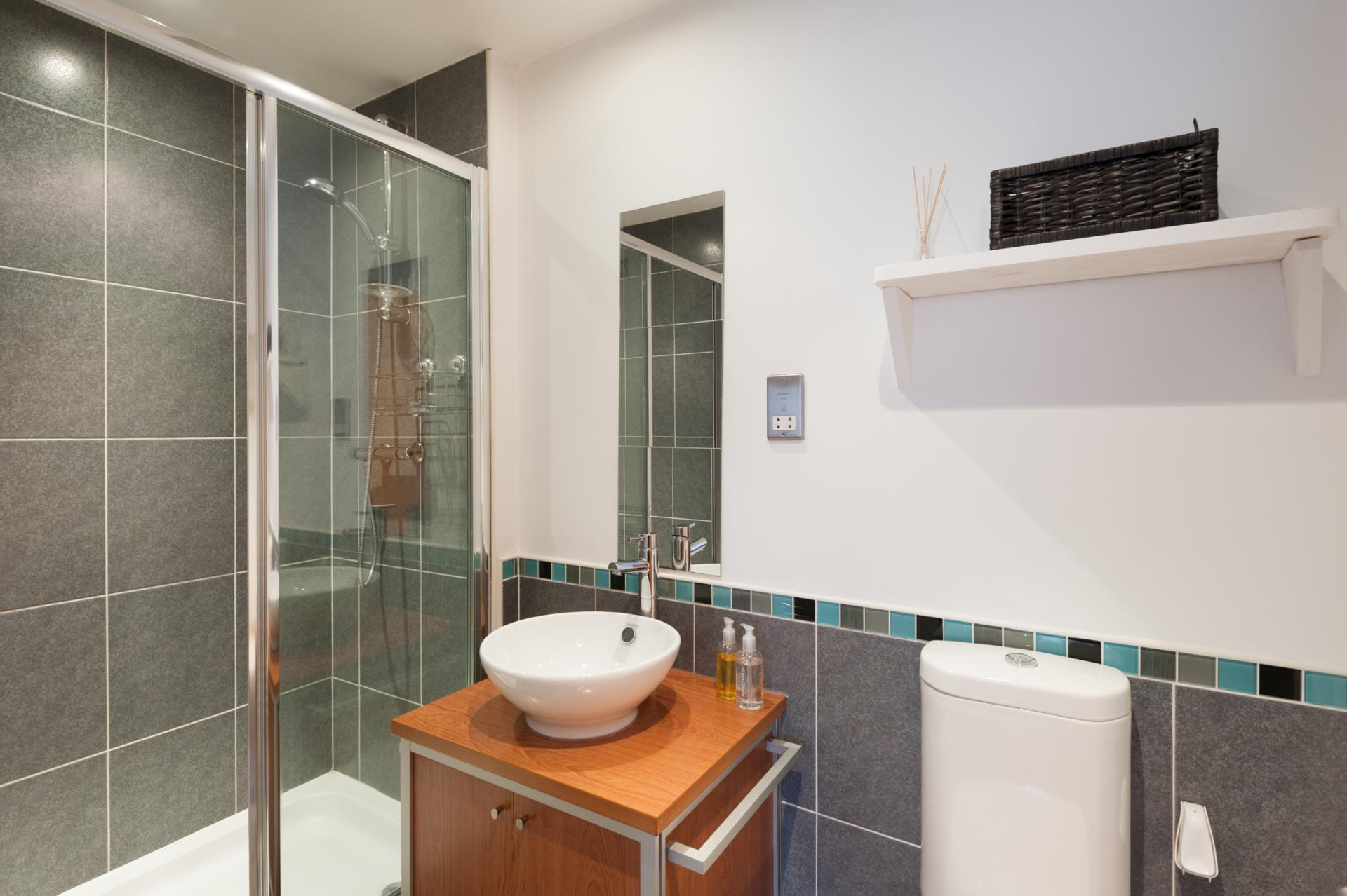 Shower at Metropole Apartment