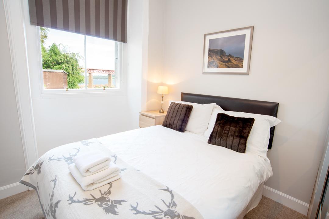 Bed at Lomond Apartment, Crossgates, Dunfermline