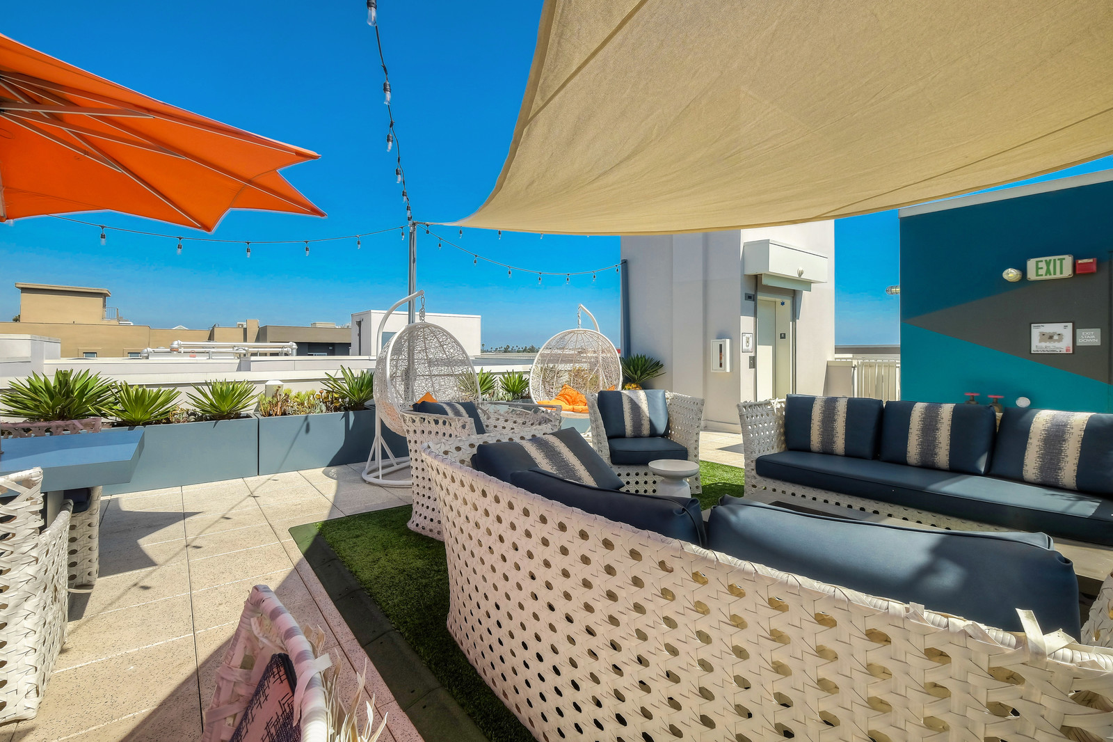 Communal roof deck at The Gibson Apartment