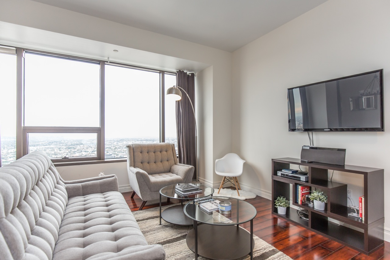 Bright lounge at 1100 Wilshire Apartment