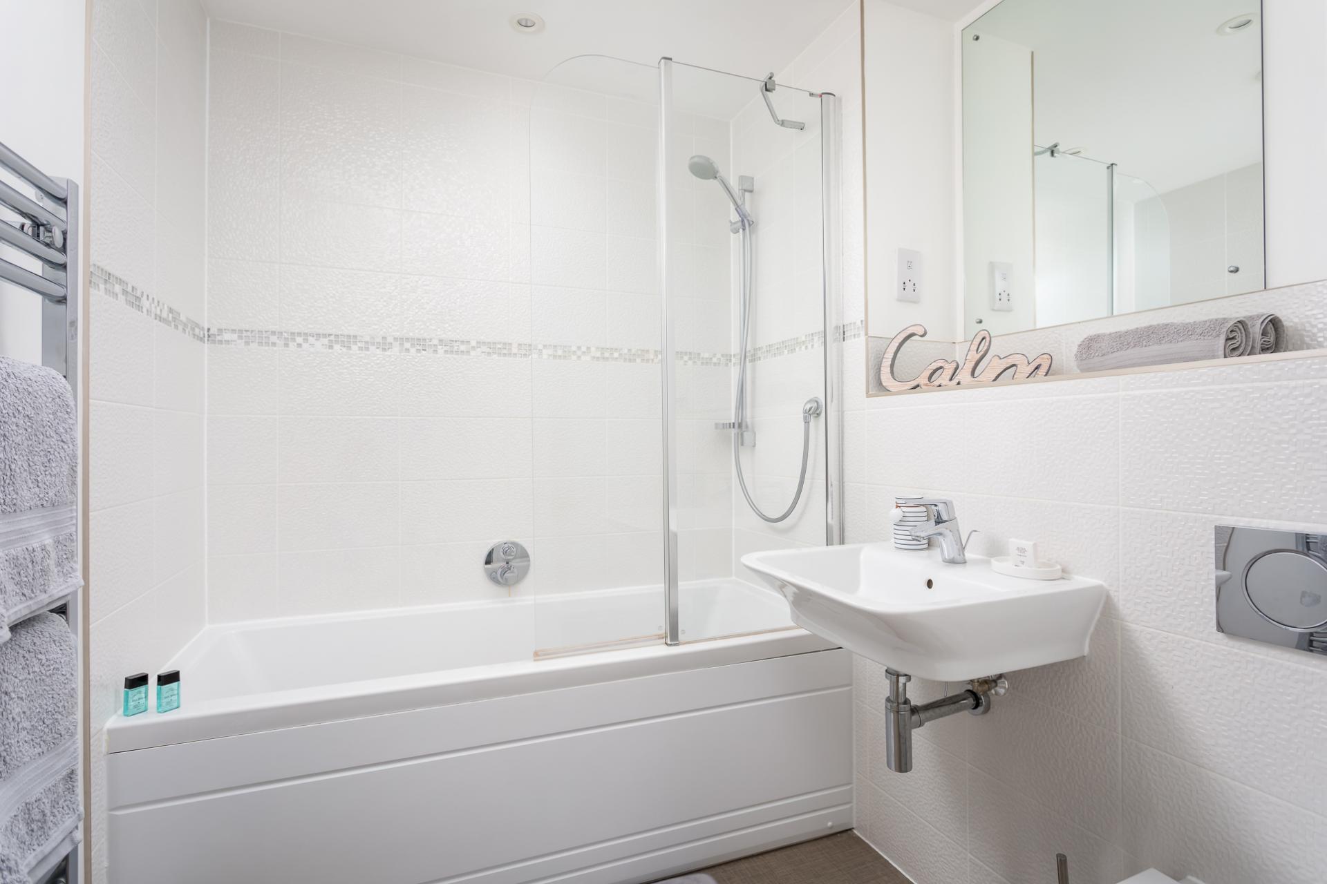 Bath at Prince Regent Mews Apartment