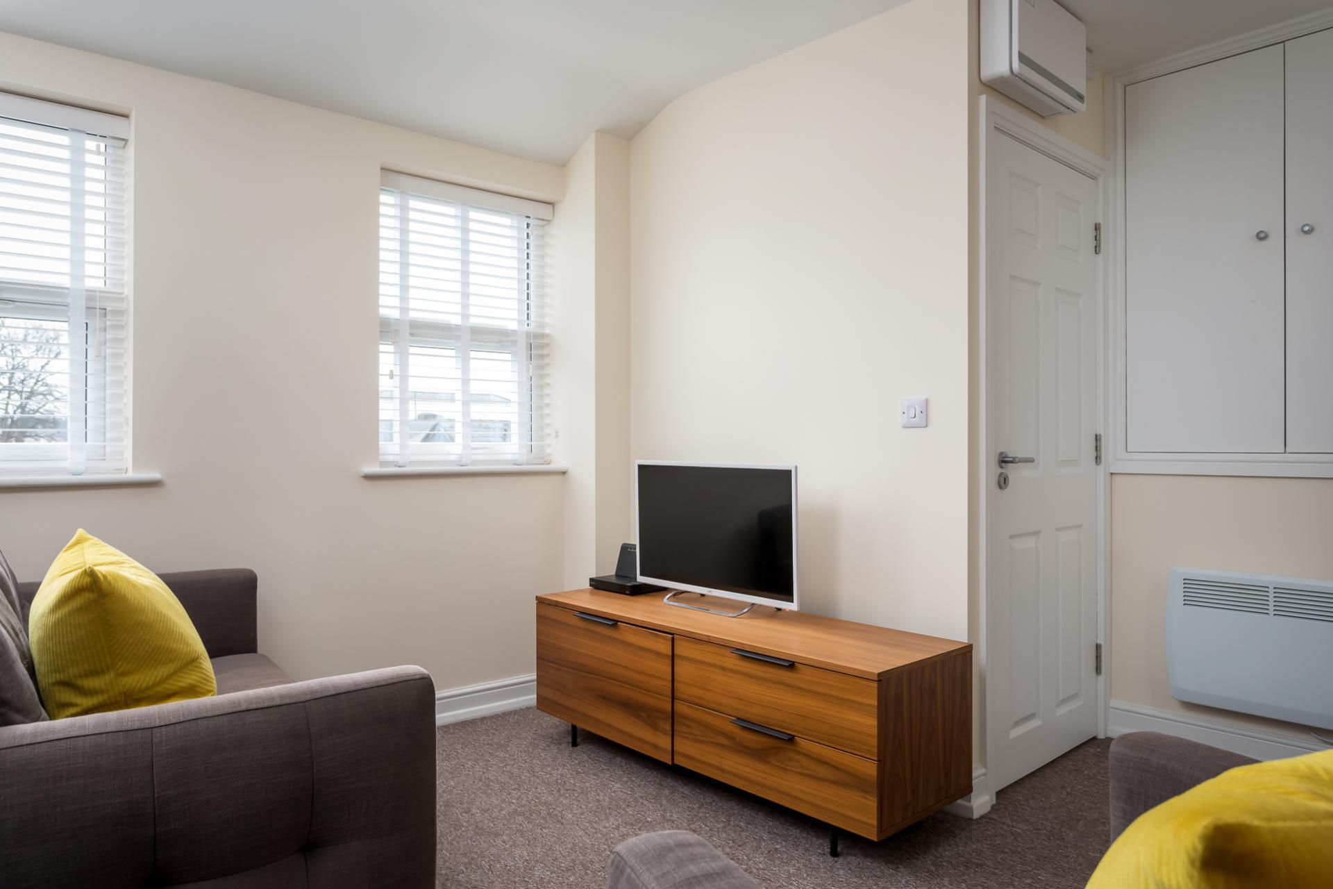 TV at High Street Serviced Apartment