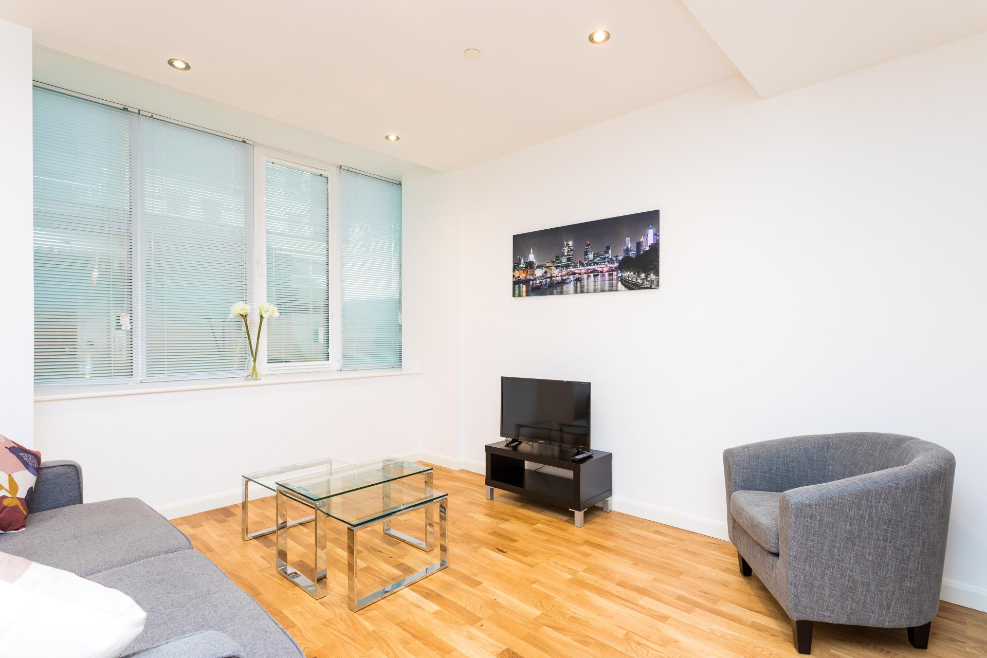 Lounge at Emerald House Apartments