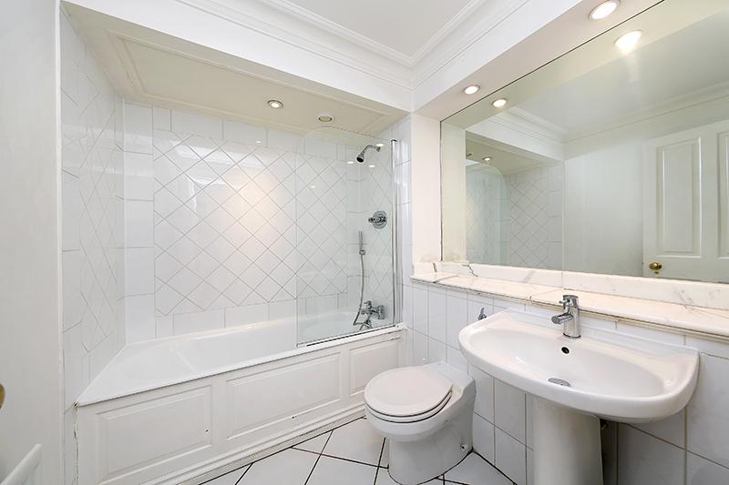 Bathroom at Kean House Serviced Apartment